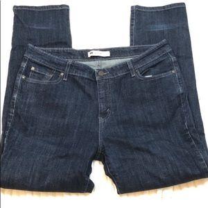 Levi's Mid rise skinny Dk blue wash jean women 16M